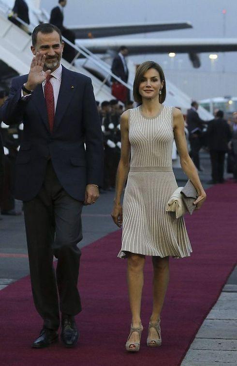 Letizia a su llegada al aeropuerto - 490x