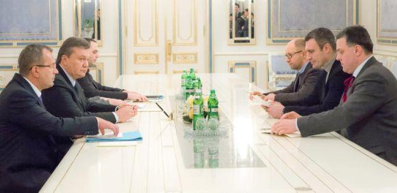 ucrania-reunion-urgencia.jpg