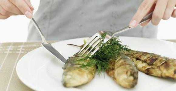 comer-pescado-getty.jpg