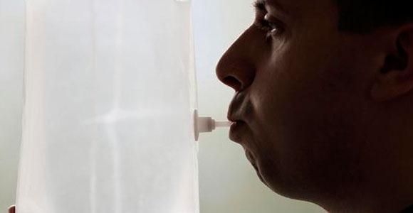 El aliento puede dar la voz de alarma ante el riesgo de padecer un cáncer de laringe