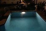 Ingenio español para iluminar piscinas - 150x100