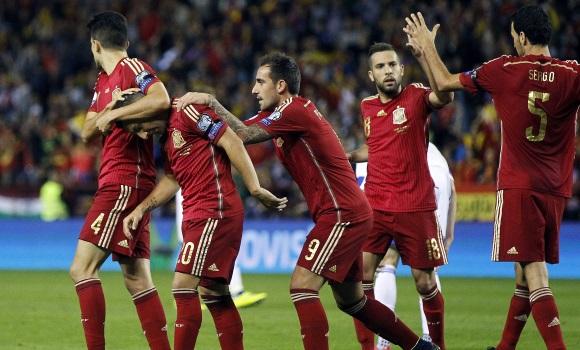 España se deshace de Luxemburgo (4-0) y se clasifica para la Eurocopa 2016