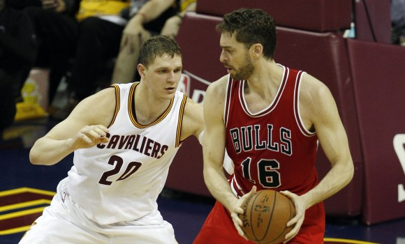 Los Bulls toman por contra pronóstico Cleveland -