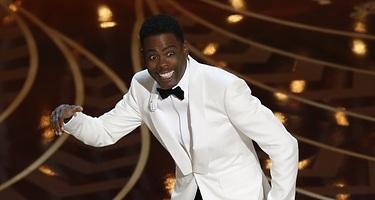 Chris Rock se ceba con los Oscar so white en el monólogo inicial de la gala