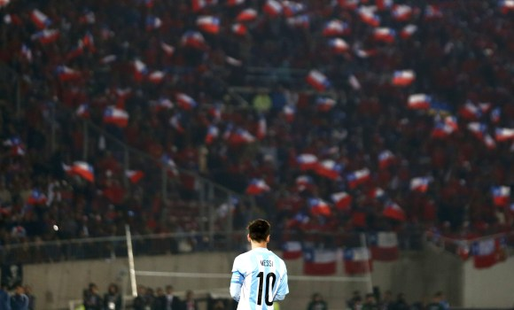 Messi-final-copa-america-2015-hundido-reuters.jpg