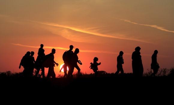 Refugiados-serbia-contraluz-2015-reuters.jpg