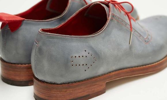 Crean zapatos con GPS en Jap�n para localizar a mayores con demencia perdidos