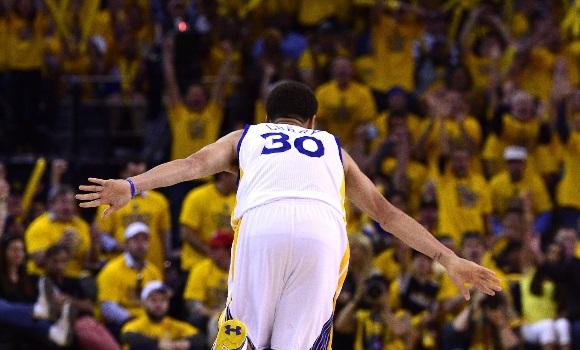 Stephen Curry, MVP de la temporada 14/15 -