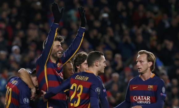 Pique-celebra-gol-roma-2015-reuters.jpg