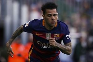 El Barça duda si vender a Dani Alves
