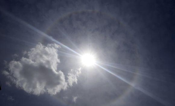 Un halo solar sobre Madrid - 310x