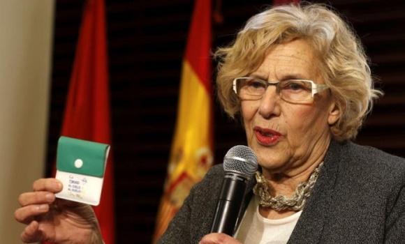 La OMC, contra los ceniceros de Carmena: no incitan a dejar de fumar