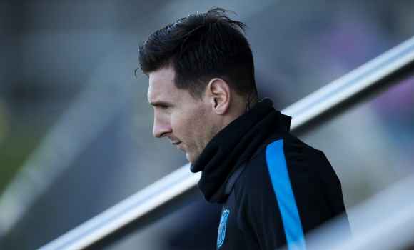Messi-entreno-serio-invierno-2015-efe.jpg