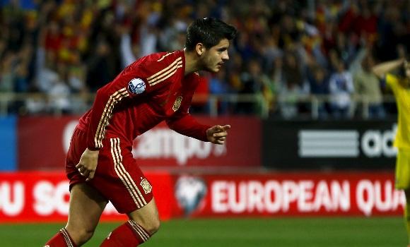España gana con lo justo