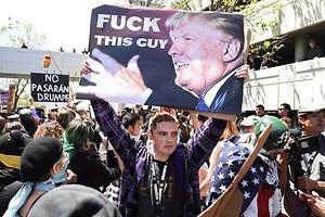 La violencia persigue a Trump