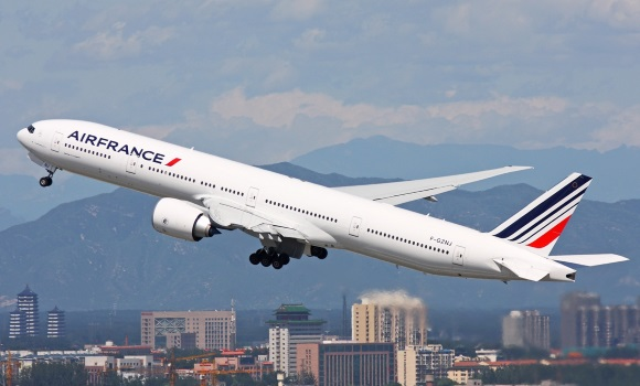 un avi n de air france procedente de barcelona a punto de