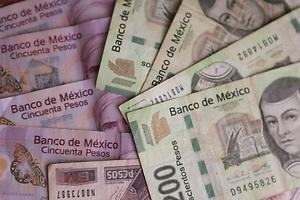 Los billetes falsos inundan México