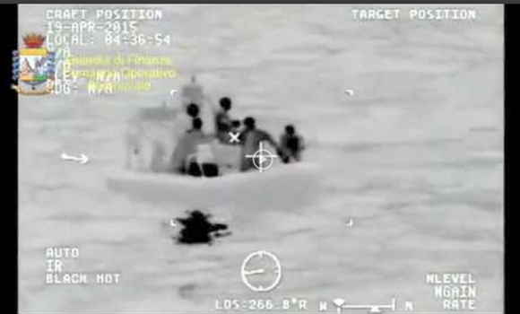 naufragio-lampedusa-700-inmigrantes-2015-efe.jpg