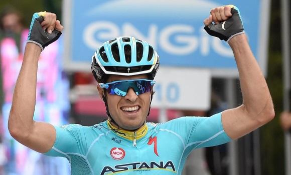 Mikel Landa gana la etapa del Mortirolo -