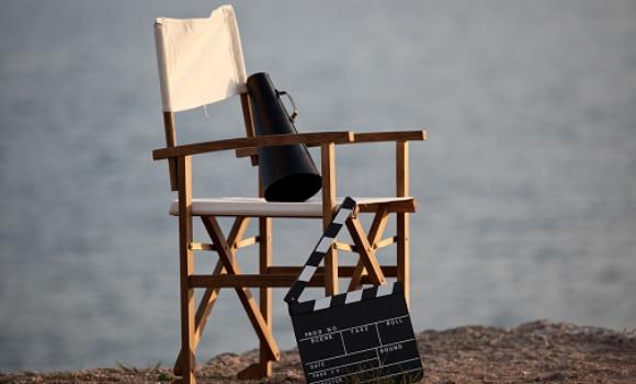 Los salarios de hollywood cu nto gana cada profesional del cine y la televisi n - Sillas director de cine ...