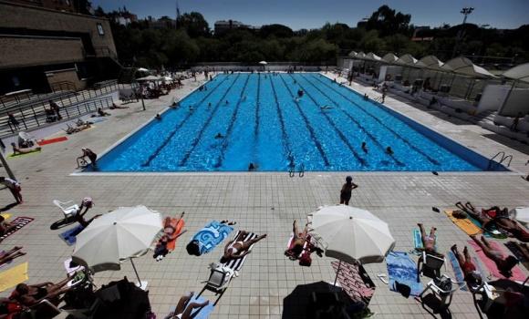piscina-municipal-efe.jpg