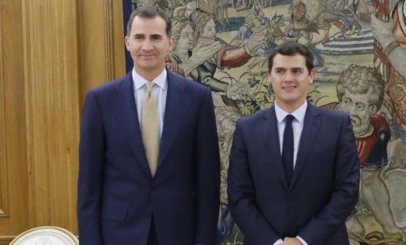 ¿Cuánto mide el Rey Felipe VI? - Real height Rey-Rivera-21enero2016Twitter