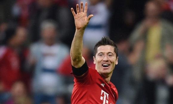 Ancelotti boicotea el deseo de Florentino: Lewandowski se queda en el Bayern Lewandowski-manita-efe