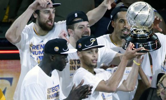 Curry mete a Golden State en la final -