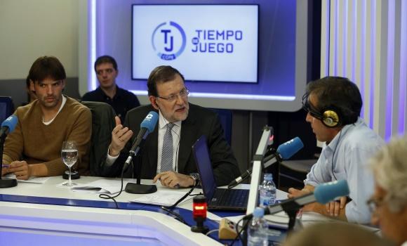 Morientes-Rajoy-Paco-Gonzalez-TiempodeJuego-Cope-efe-2015.jpg