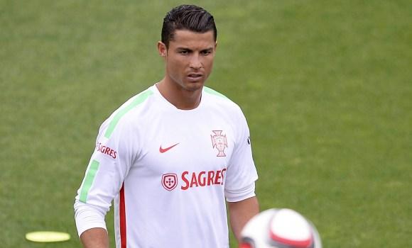Cristiano Ronaldo y un problema para 2016  quiere jugar Eurocopa y Juegos  Olímpicos 98d734d4eff66