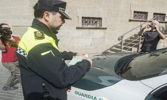 multa-olot-policia-efe-580x350.jpg