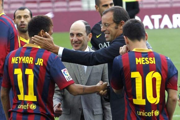 Rosell-Saluda-Messi-Neymar-2013-efe.jpg