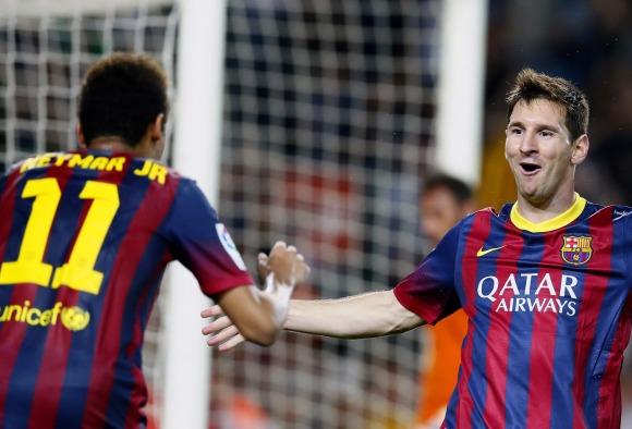 Las lecciones de Messi a Neymar para evitar que lo cosan a patadas cada  partido - EcoDiario.es f6fc7aecb2ba0