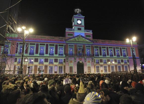 El Reloj De La Puerta Del Sol Listo Y En Perfecto Estado