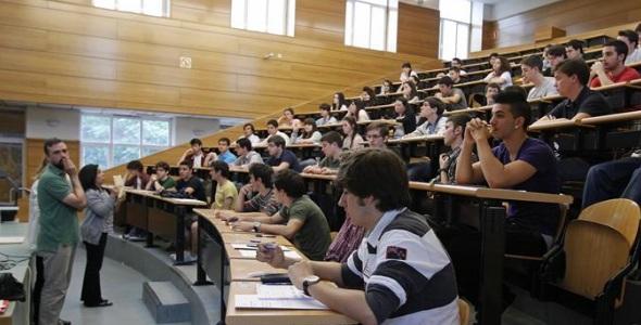 universidad-clase-efe.jpg