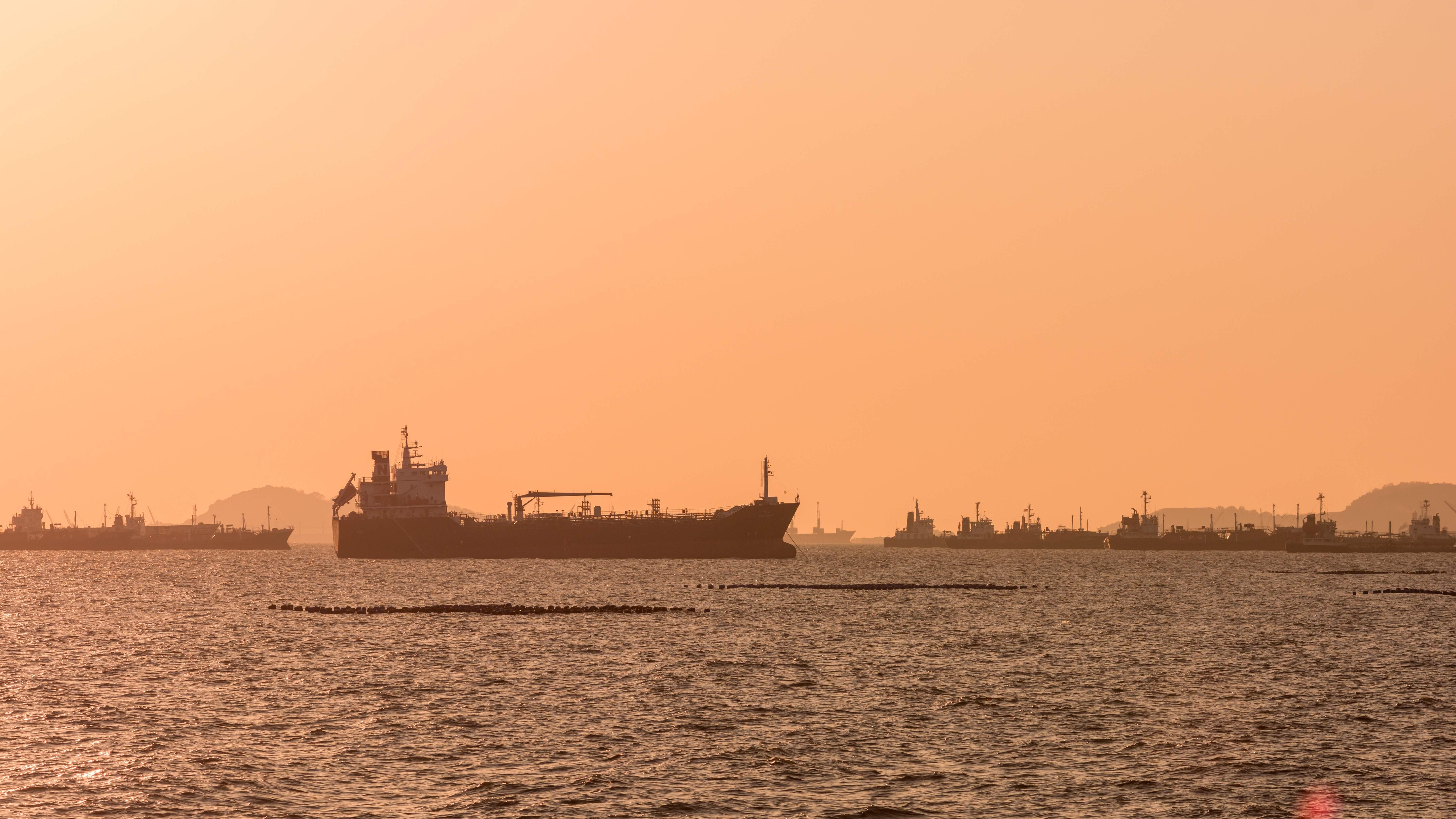 Irán reanuda la estrategia del \'petróleo flotante\' ante las ...