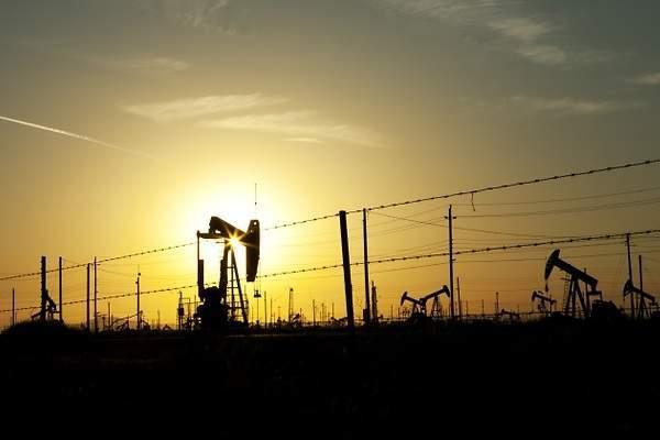 600x400_sol-martillos-atardecer-petroleo.jpg