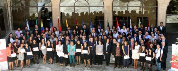 Las Becas Universidad de Salamanca - Banco Santander cumplen 15 años de historia con más de 1.300 becarios
