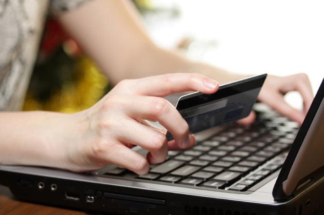 España muy por debajo de la media europea en la compra online de billetes aéreos, según Eurostat