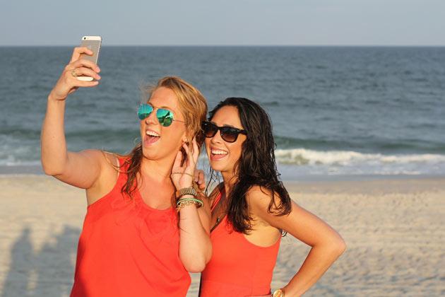 El 50% de los españoles comparte en tiempo real sus experiencias de viaje a través del móvil