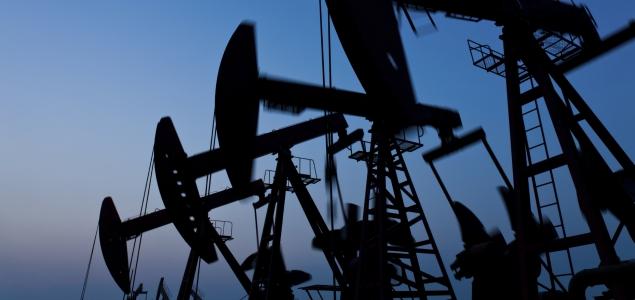 Petroleo-recurso-azul-635-iStock.jpg