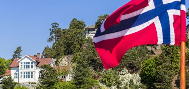 noruega-bandera-casa-635-getty.jpg