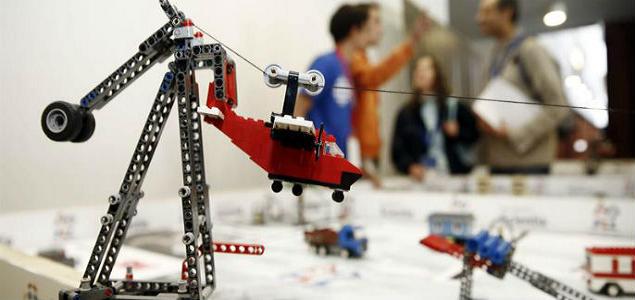 Robots construidos con Lego para enseñar carreras STEM - 200x125