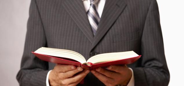 Resultado de imagen para empresario con libros
