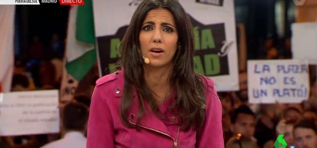 """Boicot al directo de Ana Pastor y 'El Objetivo' en Sol por el 15M: gritos de """"televisión manipulación"""""""