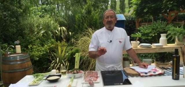 Karlos argui ano saca la cocina a la calle por el verano for Cocina carlos arguinano