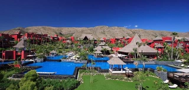 Cinco hoteles de lujo para vivir las hogueras de san juan - Hotel asiatico benidorm ...