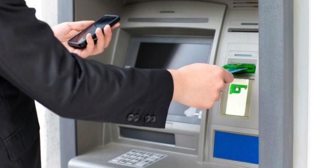 Un fallo en windows xp permite sacar dinero de cajeros for Cajeros barcelona