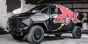 Red Bull crea un SUV de corte bélico para la guerra... mediática