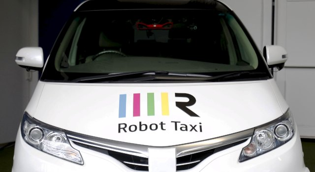 Japón introduce los Taxi Robot, taxis sin conductor